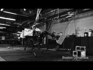 Робота BigDog от BostonDynamics оснастили рукой-манипулятором